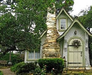 california cottage travel inspiration