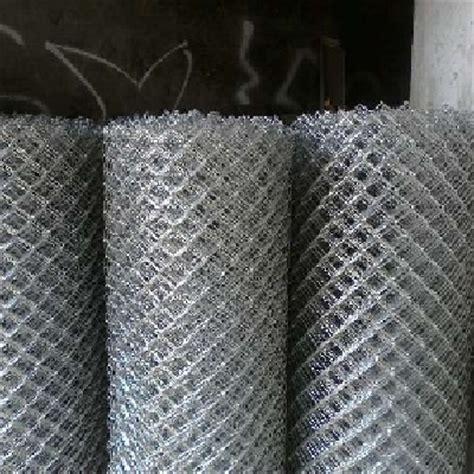 Kawat Ram Di Depo Bangunan beton metal