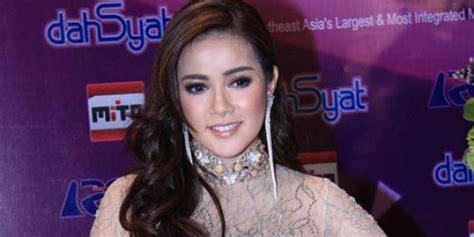 berita heboh indonesia images of gossip dan berita terkini selebritis indonesia