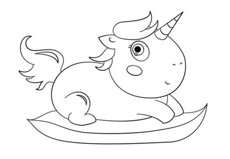 Dolce Baby Unicorno Disegno Da disegno di piccolo unicorno chibi da colorare disegni da