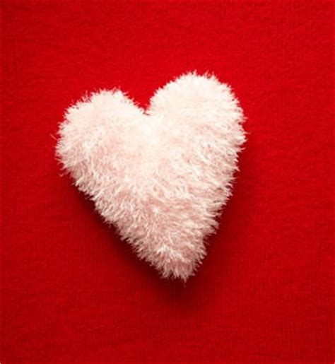 free crochet pattern heart pillow link party free diy tutorials free craft projects craft