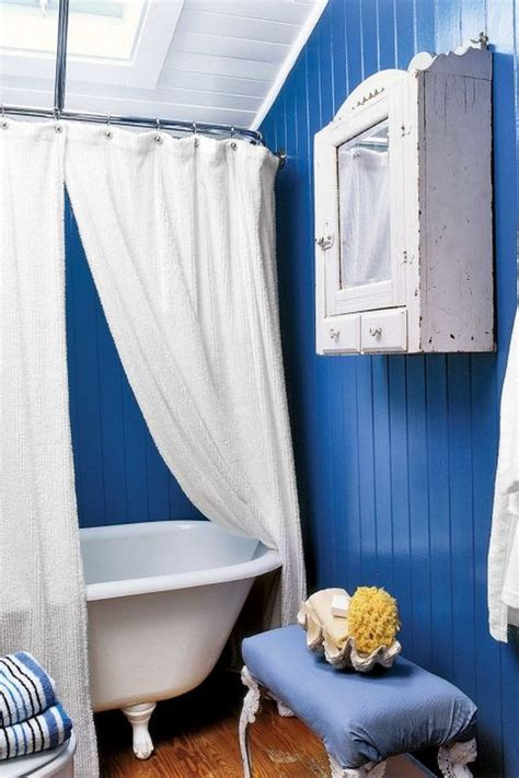 ideas for decorating with blue and white recycled things