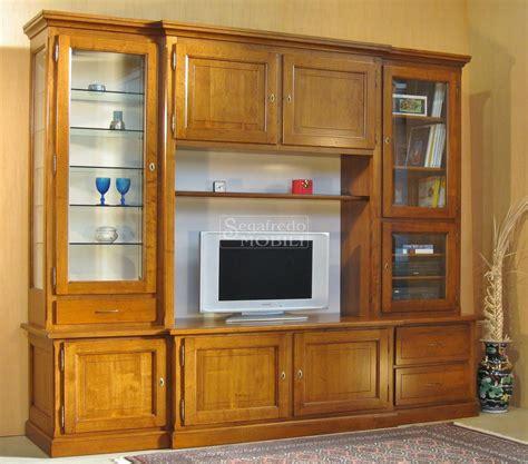 mobili a parete per soggiorno mobile a parete su misura per soggiorno in legno massello