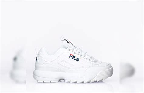 Sepatu Fila Disruptor gaya ini sneaker putih yang lagi booming di kalangan
