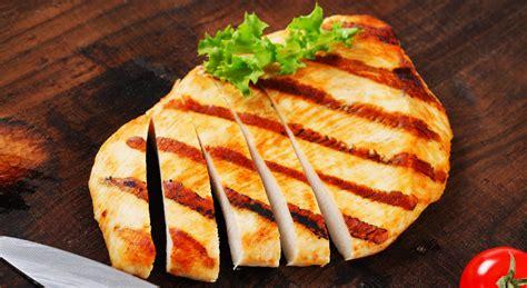 cucinare petto tacchino 3 ricette di petto di tacchino da fare alla griglia aia food