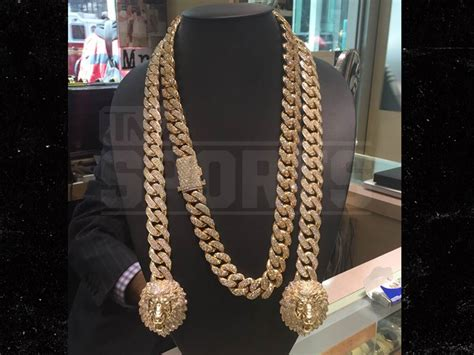 floyd mayweather cops 250k neck bling tmz