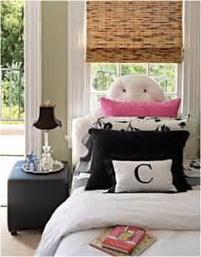 Teen girl bedroom idea 27 how cute is this isn t black and white