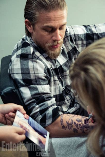 charlie hunnam tattoo hunnam entertainment weekly photoshoot sons of
