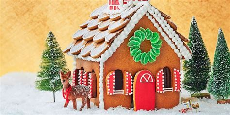 How To Decorate A Gingerbread House by Gingerbread House Ideas How To Decorate A Gingerbread House