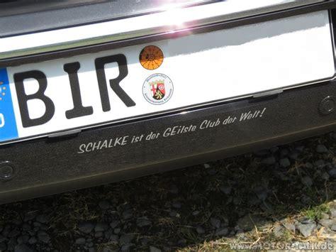 Aufkleber Auf Dem Auto Entfernen by Aufkleber Am Auto Und Scheibe Entfernen Wie Am Besten