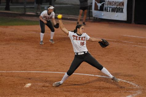 softball swing vs baseball swing texas softball hopes to swing into postseason on a high
