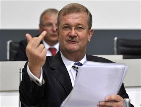Vw Porsche Bernahme by Staatsanwaltschaft Erhebt Klage Gegen Ehemalige Porsche Chefs