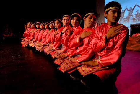 gambar tutorial tari saman 34 tarian daerah tradisional di indonesia beserta