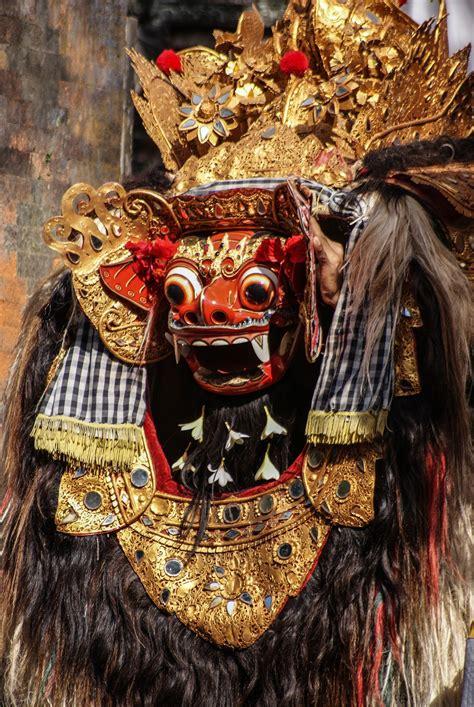 tato barong bali di punggung danza barong bali indonesia viaggi vacanze e turismo