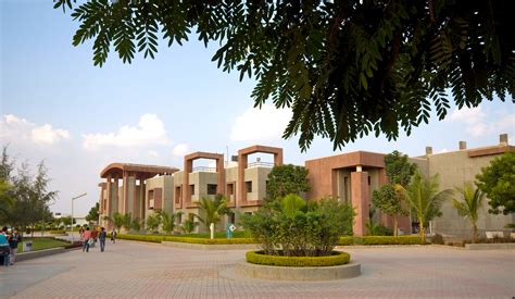 College Rajkot Mba Fees by Rk Rku Rajkot Admissions Contact