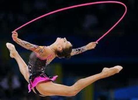 imagenes de gimnasia yoga las 25 mejores ideas sobre gimnasia artistica femenina en