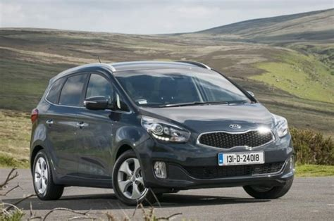 Used Kia Carens Review Kia Carens 1 7d Ex Review Carzone New Car Review