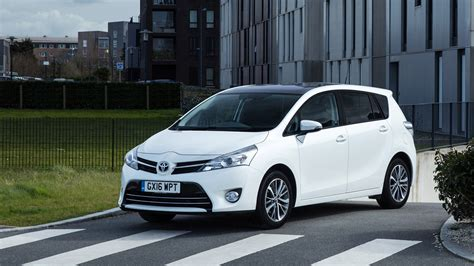 toyota verso toyota verso 1 6d design 2017 review car magazine
