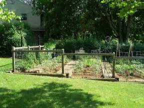 Small Garden Fence Ideas This For You Landscaping Ideas Backyard Naturalist Maryland