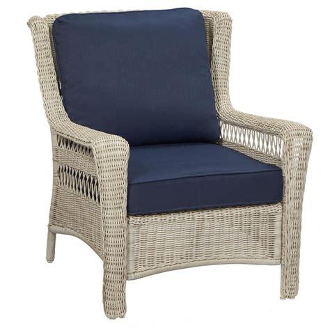 Hton Bay Swivel Patio Chairs White Wicker Lounge Chair White Wicker Chaise Lounge Chair Chairish Outdoor Wicker Patio