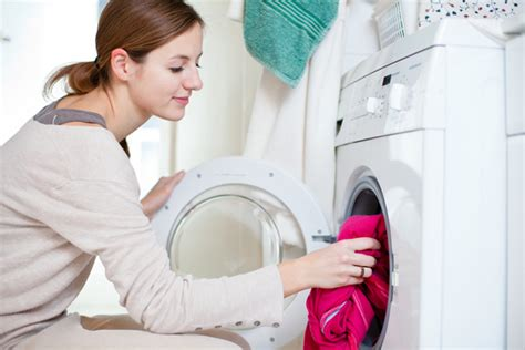 do you wash colored clothes in water when to wash clothes laundry you don t to do right
