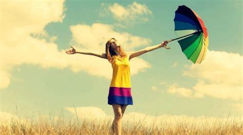 imagenes de jovenes libres 45 frases bonitas para reflexionar y ser m 225 s positivo