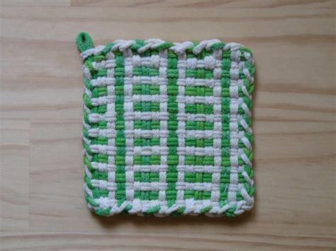potholder loom pattern 75 best images about weaving on pinterest potholders