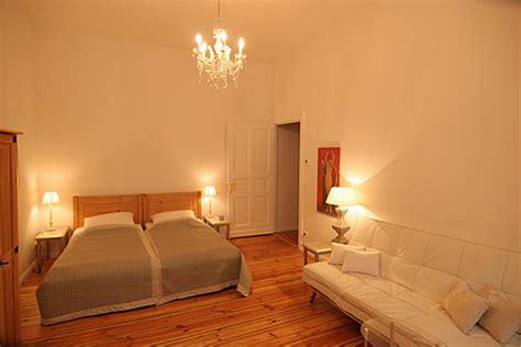 wohn und schlafzimmer apartment mediterraner stil foto galerie