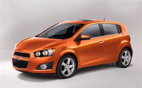 chevy sonic 2012 chevrolet sonic hatchback front three quarters view