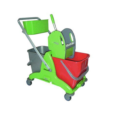 attrezzi per pulizia pavimenti attrezzature per pulizia professionale