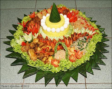 Nasi Tumpeng typhoon whirlwind in a s nasi tumpeng yellow rice mountain recipe