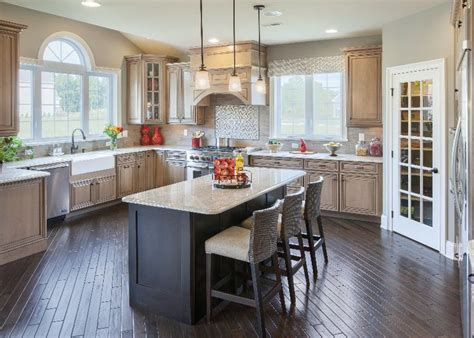 toll brothers kitchen cabinets 185 best kitchens images on pinterest