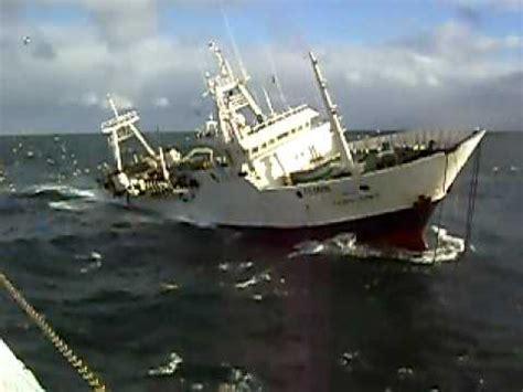barco hundiendose animado barco hundiendose lentamente youtube
