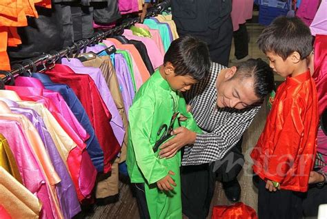 buat paspor online anak 2015 aznil bantu belikan pakaian raya buat anak anak terbiar