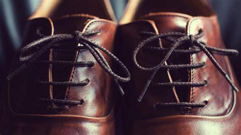 Schuhe Binden Arten by Schuhe Richtig Binden Der Schn 252 Rsenkel Knigge