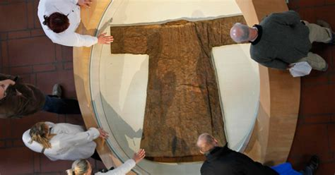 seamless robe of jesus is this the actual robe of jesus ucatholic