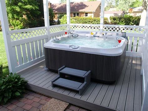Alcove Bathtub 8 Ways To Place Your Original Outdoor Jacuzzi