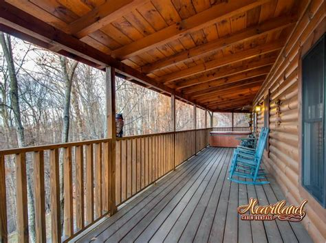 4 bedroom cabins in gatlinburg hug a 4 bedroom cabin in gatlinburg tn