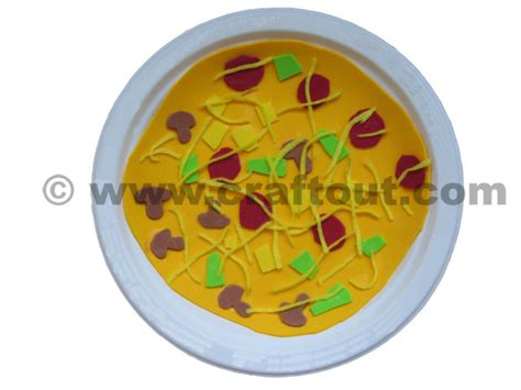 Paper Plate Pizza Craft - paper plate pizza craft out