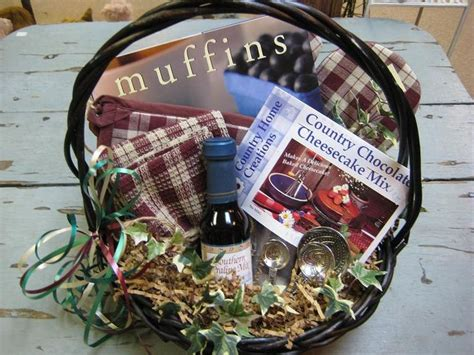 Kitchen Gift Basket Ideas 1000 Images About Kitchen Gift Baskets On Cooking Spoon Wrapping Ideas And Towels