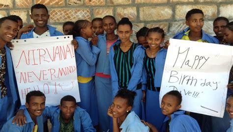 woao 88 uno fm las canciones fifa 15 woao 88 uno fm ni 241 os de etiop 237 a celebran el cumplea 241 os de dave grohl