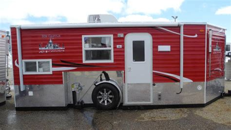 ice castle fish house 8 x 17v rv edition fish house trailers in minnesota