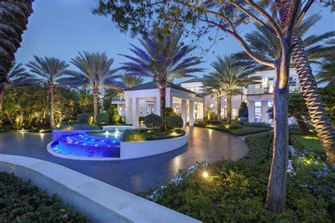 U Shaped House Design by Modern Driveways Design Ideas Designing Idea