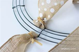 how to make a burlap wreath with two colors how to make a burlap wreath landeelu