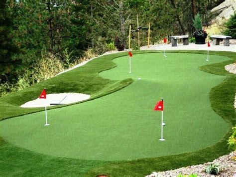 practise chipping  putting   backyard improve