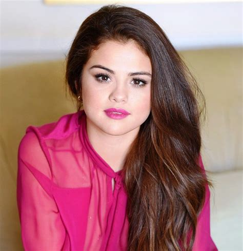 biography facts about selena gomez selena gomez age boyfriend biography family facts net