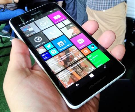 Microsoft 640 Xl Malaysia microsoft lumia 640 xl lte price in malaysia spec technave