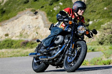 How To Ride A Harley Davidson For The Time ride harley davidson roadster and visordown