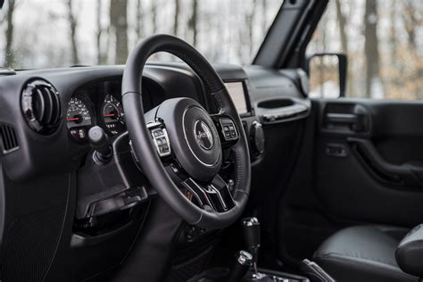 jeep wrangler interni jeep wrangler unlimited prova su strada