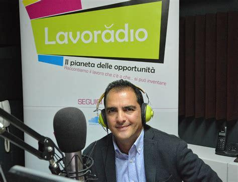 ufficio di collocamento a roma va in onda il lavoro e la radio diventa ufficio di
